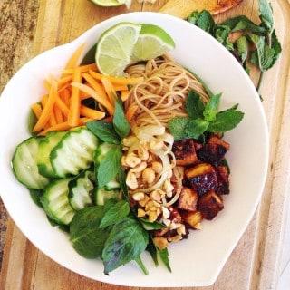 Ban Cha with Crispy Tofu