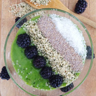 Detox Green Smoothie Bowl