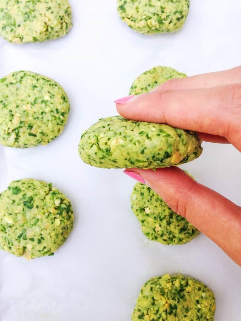 Baked Falafel with Tumeric Tahini Sauce - Choosingchia