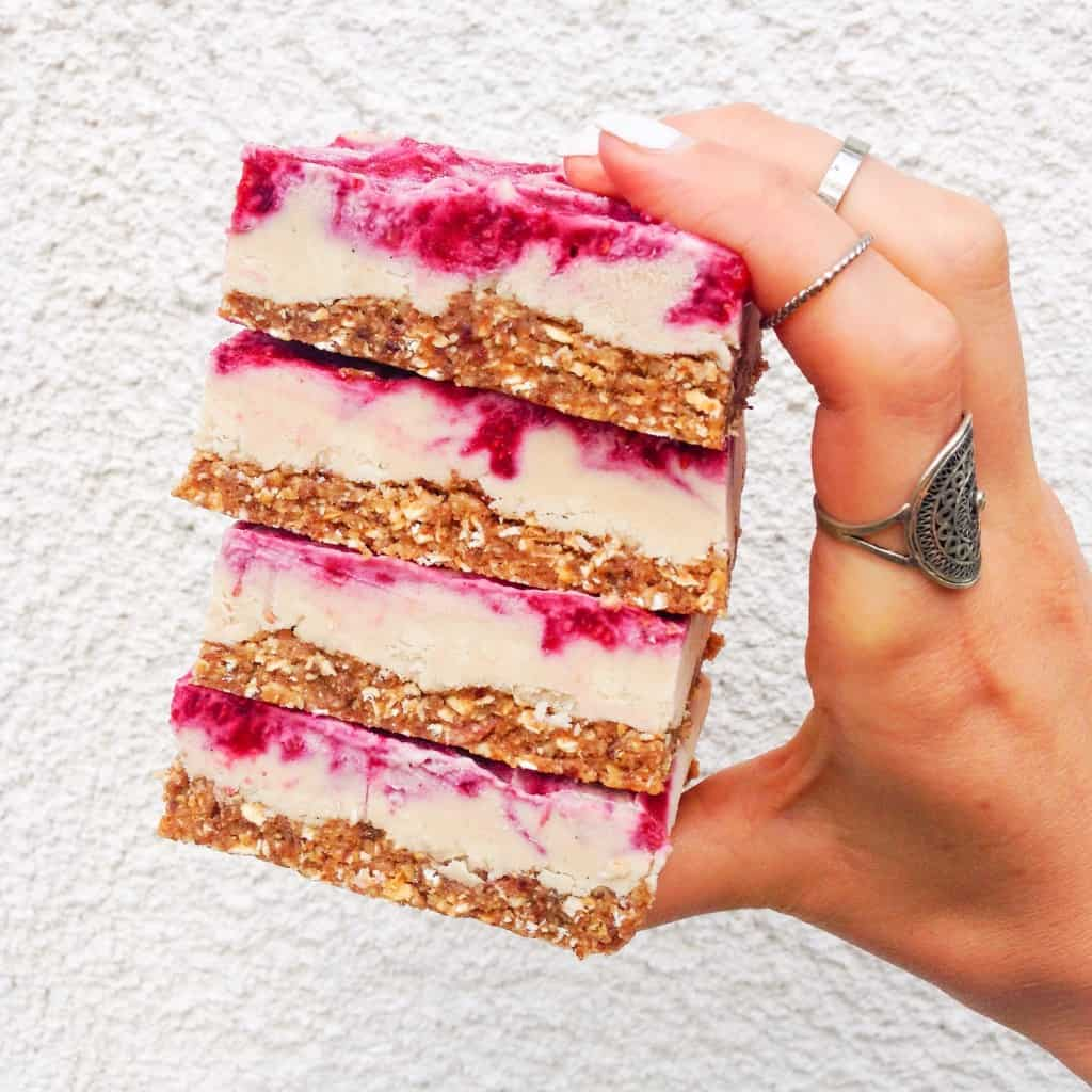 Vegan Raspberry Cheesecake Bars|healthy dessert|plant-based desseert