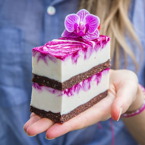 vegan dragonfruit cheesecake bars