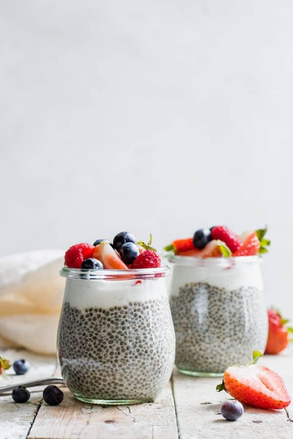 easy vanilla chia pudding in glass jar