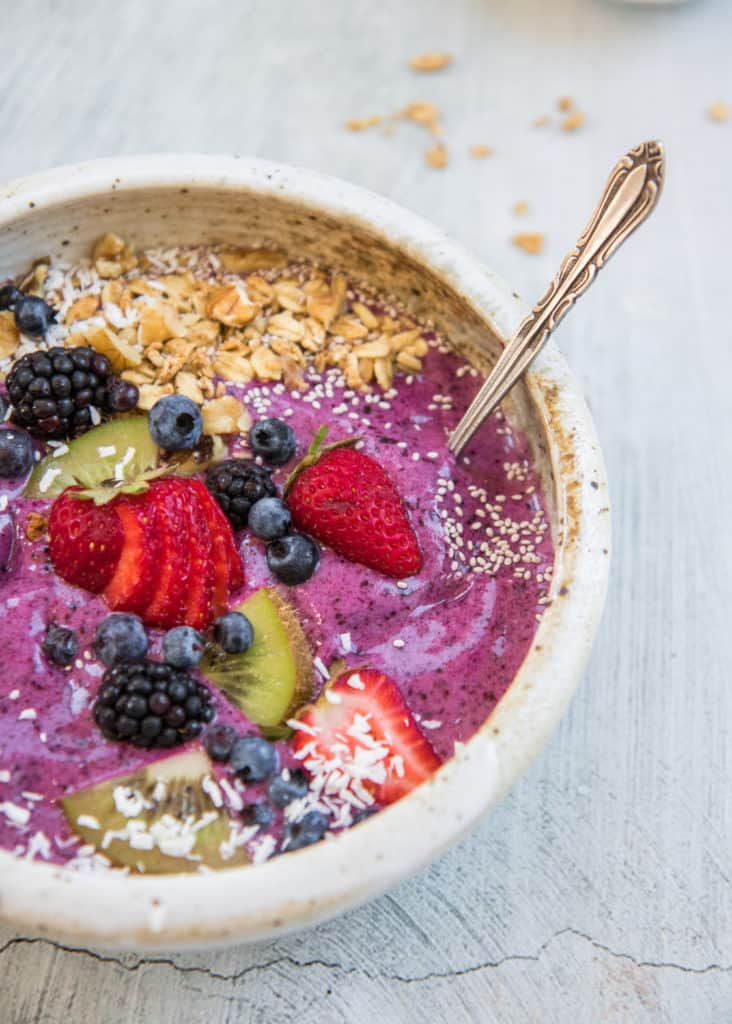 superfood acai bowl