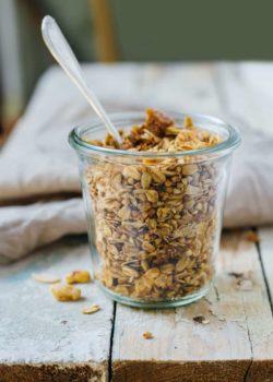 fig and walnut granola