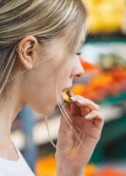 6 tips to shop the farmer's market like a pro
