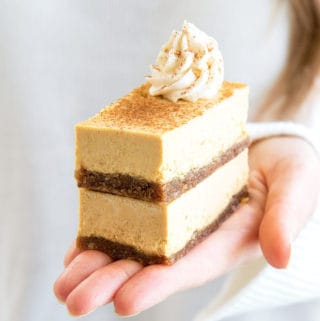 vegan pumpkin spice cheesecake bars