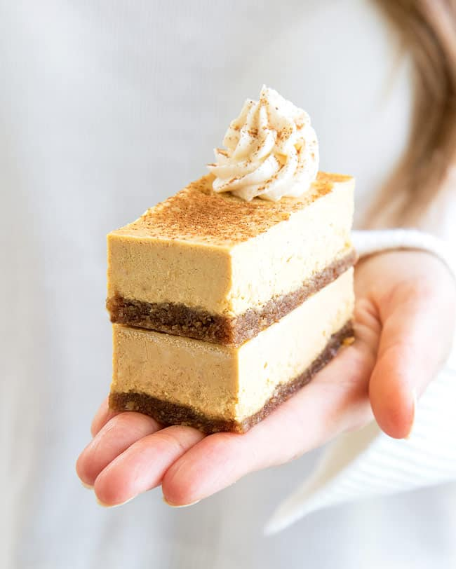 vegan pumpkin spice cheesecake bars