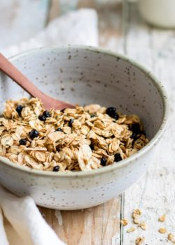 blueberry, maple & vanilla bean granola