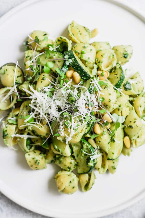 pesto pasta with summer veggies