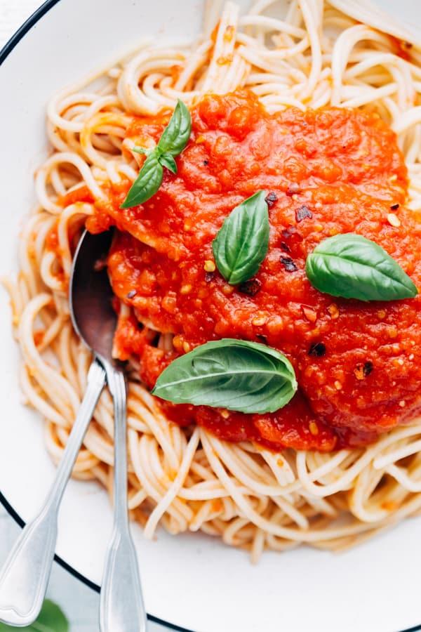 spaghetti with homemade tomato sauce