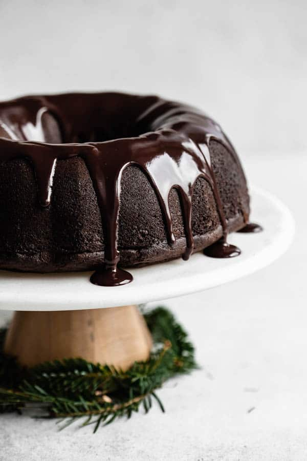 vegan gingerbread bundt cake