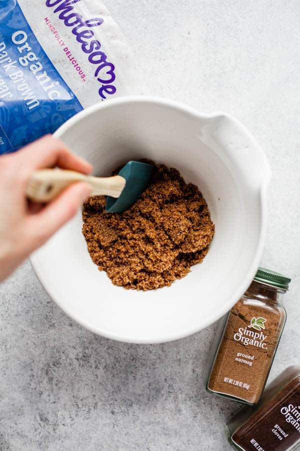 vegan gingerbread bundt cake