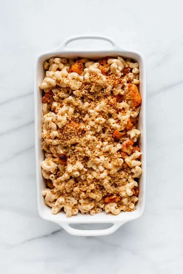 vegan buffalo cauliflower mac and cheese