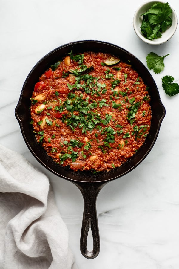 cast iron skillet with vegan shakshuka