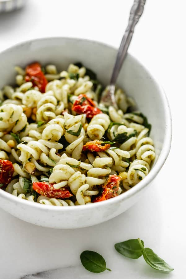 5 ingredient pesto pasta salad