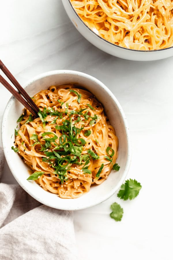 Thai Red Curry Noodles - Choosing Chia