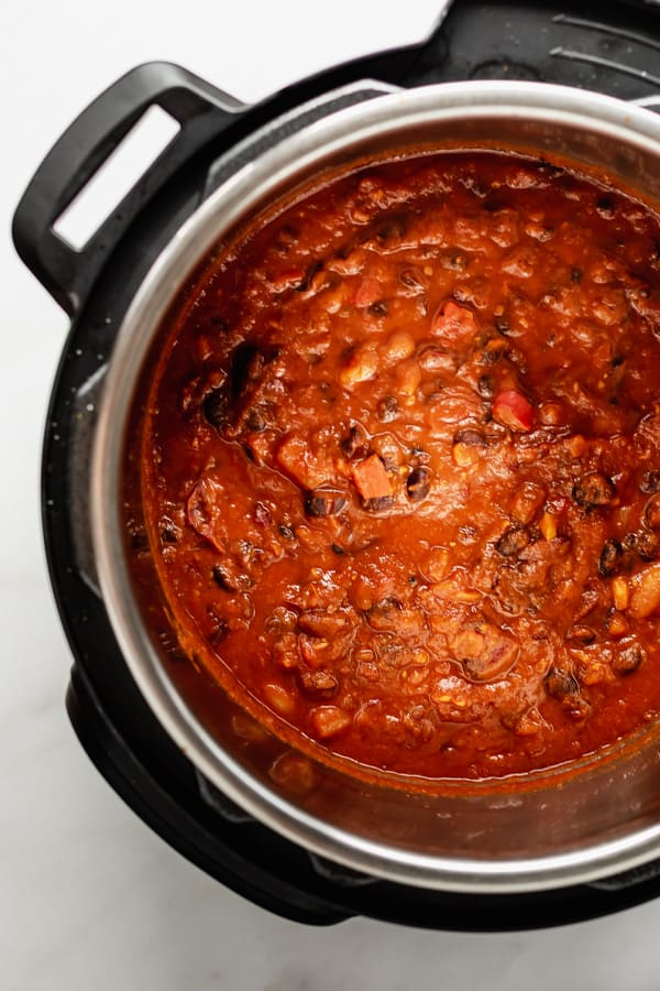 vegan chili in an instant pot